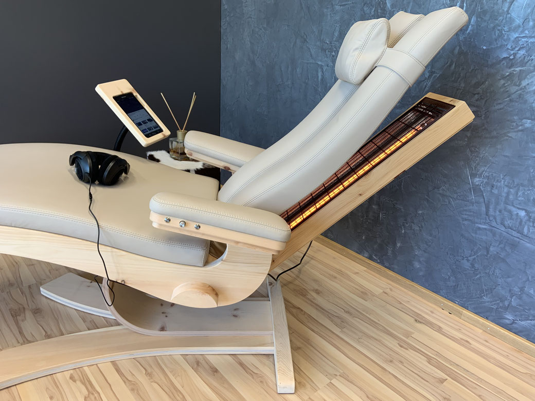 Körperschall Liege, Luttinger, LL10 swave, Stressabbau, regenerieren, Entspannung, Infrarot Tiefenwärme