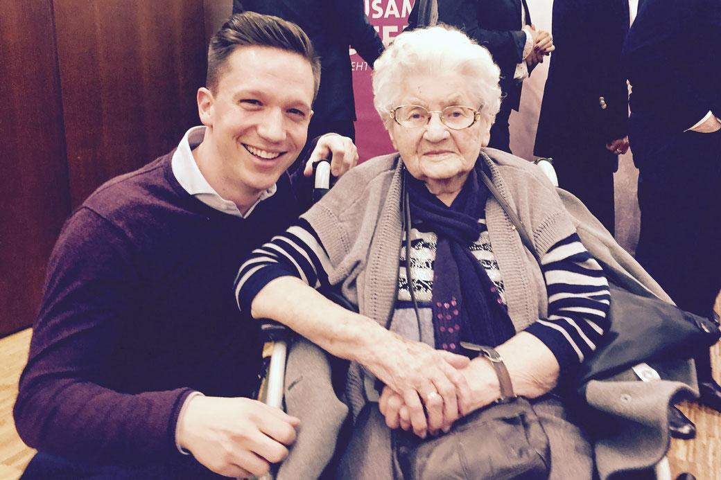 Frieda Scheibner, 105 Jahre alt und seit 70 Jahren SPD-Mitglied