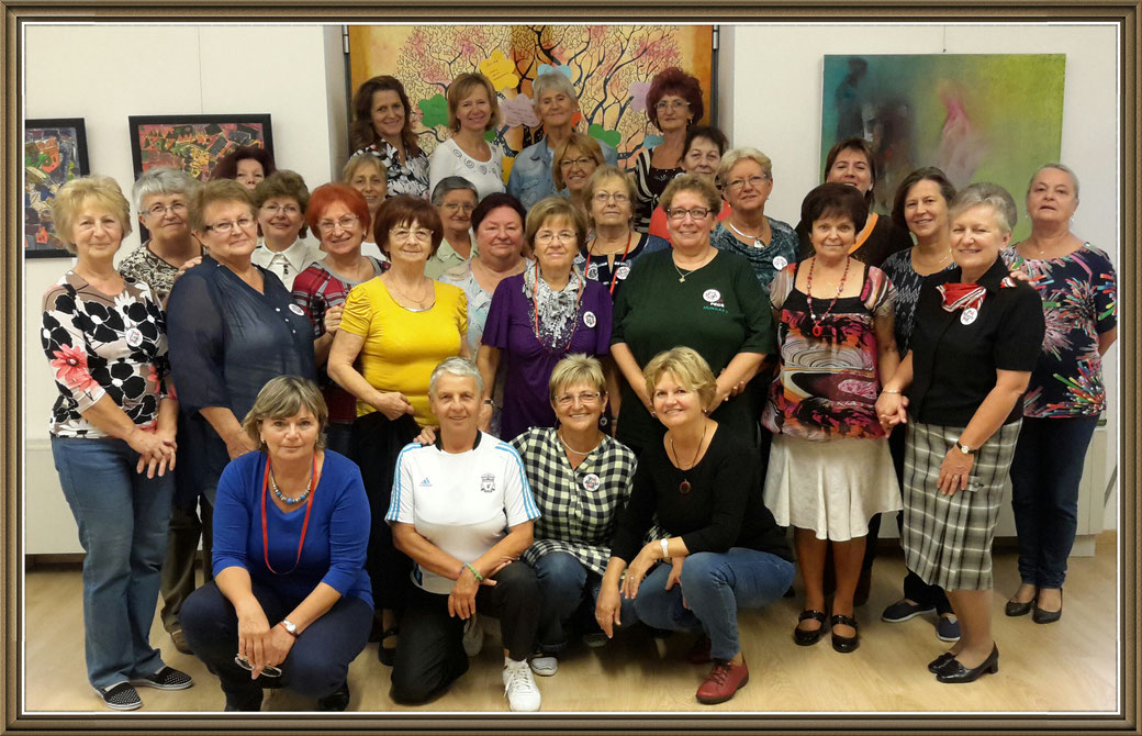 A második szenior örömtánc oktatói csoport