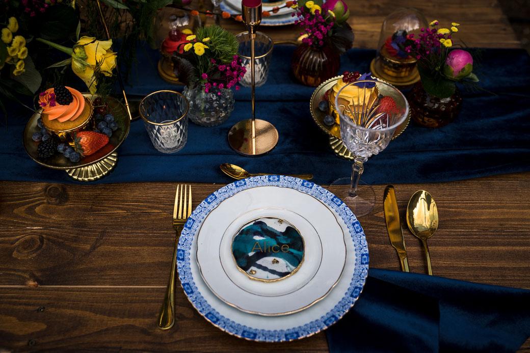 Tischdekoration Hochzeit blau gold