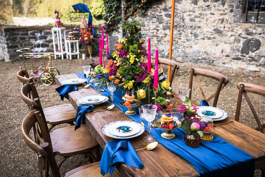 bunte Sommer Hochzeit  Dekoration Laubach