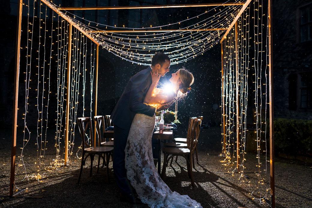 Lichtervorhang Lichterbogen Hochzeit Hochzeitspaar
