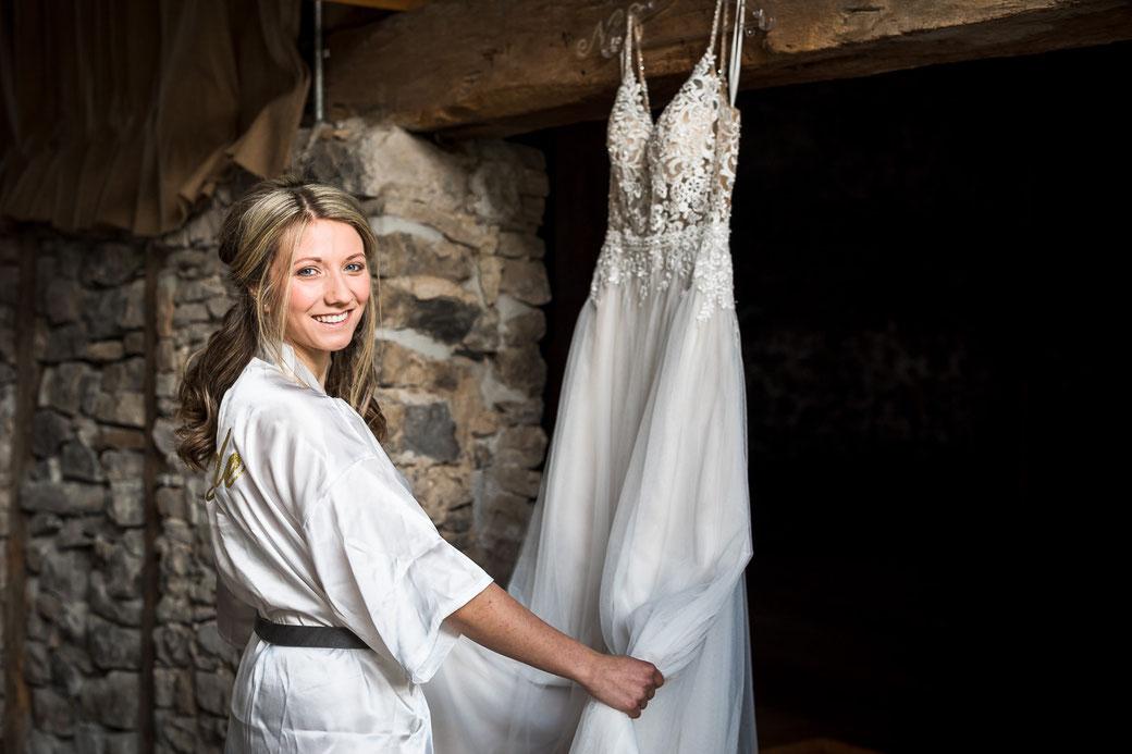 Heiraten in Hessen - Getting Ready Braut