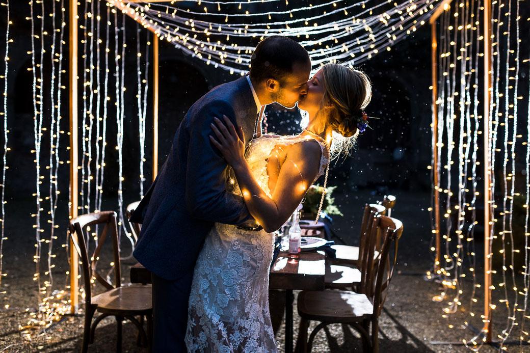 Lichterbogen Lichterketten  Hochzeit Hochzeitspaar