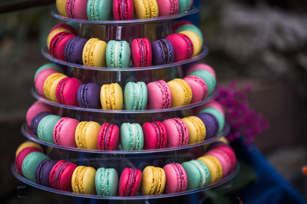 bunte Macarons Hochzeit