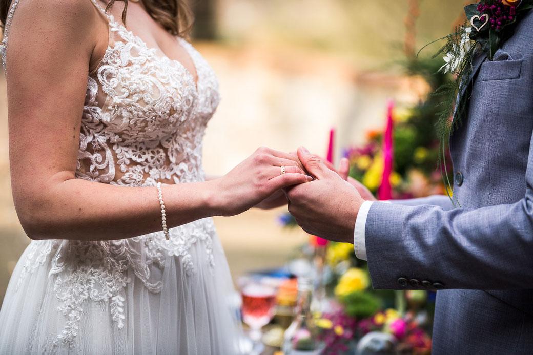 Hände Hochzeitspaar Ringe