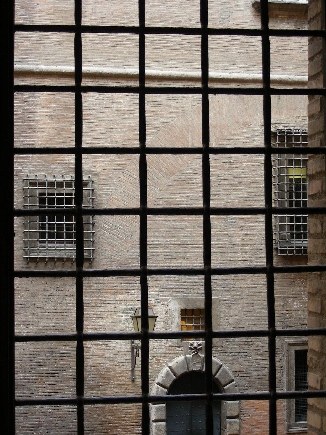 Blick aus den Vatikanischen Museen in den Innenhof