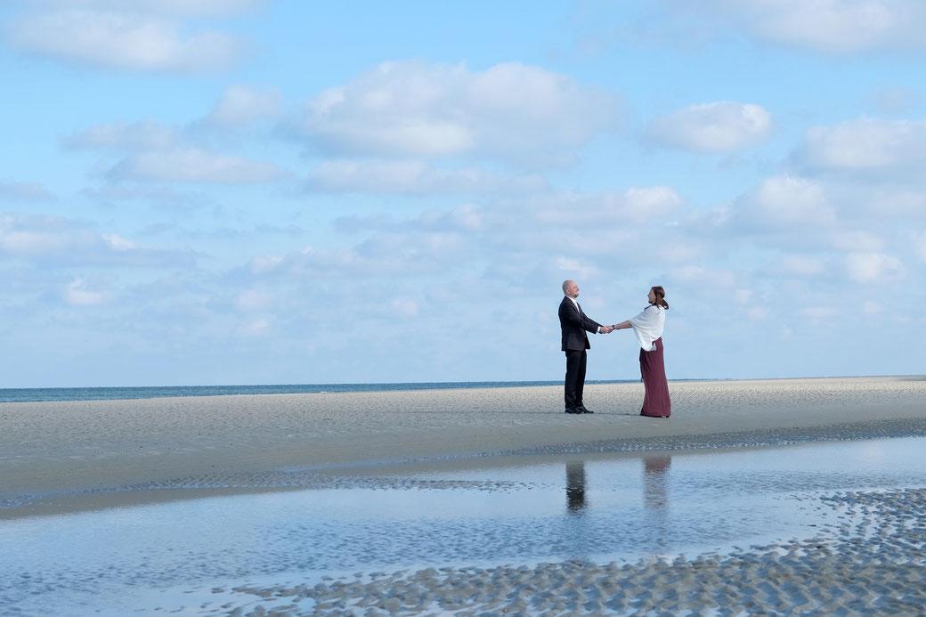Fotograf Spiekeroog, Hochzeitsfotograf Spiekeroog, Hochzeit Spiekeroog, Heiraten Spiekeroog, Heiraten an der Nordsee, Inselfotograf, Nordseefotograf, 2016, 2017, 2018, Hochzeit am Strand, Standesamt Spiekeroog, Inselmuseum, Hochzeitsfotos Spiekeroog