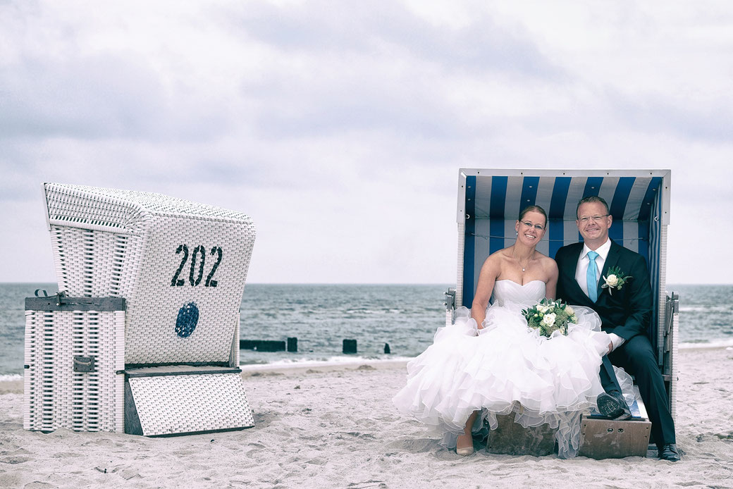 Hochzeit Sylt, Fotograf Sylt, Hochzeitsfotograf Sylt, Hochzeitsfotos Sylt, Leuchtturm Kampen, Fotograf Kampen Sylt, Standesamt Westerland, Hochzeit Strand Kampen, Inselfotograf Sylt, Leuchtturm Hörnum, Nordseefotograf,  Heiraten Sylt, 2016, 2017, 2018