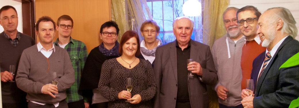 Die Funktionär*innen des Vereins mit Bischof Iby, Claudia Kugler, Uli und Günter Zwanowetz bei der Büroeinweihung 2017.