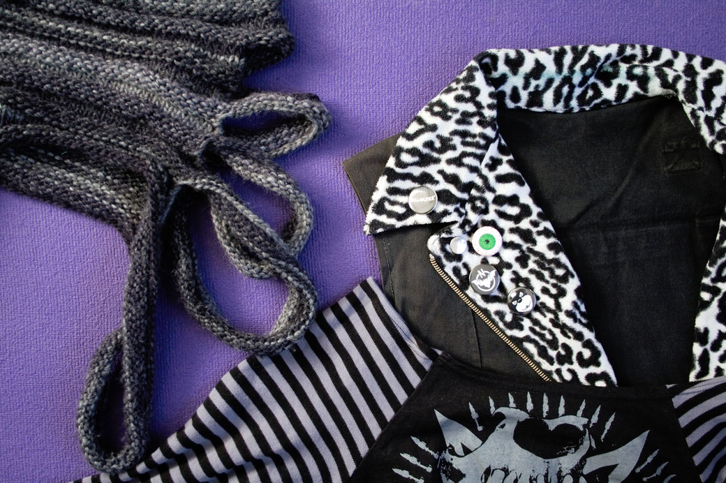 What this Blog is about - personal DIY projects - punk & goth clothing - Zebraspider DIY Anti-Fashion Blog