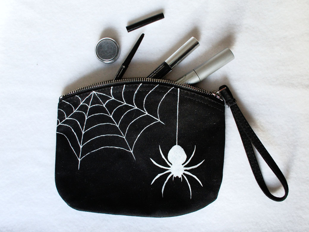 New tops, arm warmers and pouches - Spider and Web organic canvas zipper pouch - Zebraspider DIY Anti-Fashion Blog
