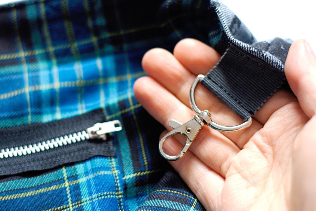 2021 belt bags and new shoulder bags out now! - Tote Bag Skulls & Zebra tartan inside snap hook - Zebraspider Eco Anti-Fashion