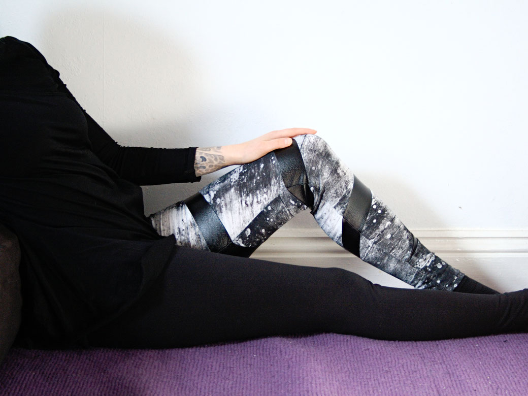 Mary, the Swirl Leggings (pattern testing) - Slightly Sinister Patterns - Zebraspider Eco Anti-Fashion Blog