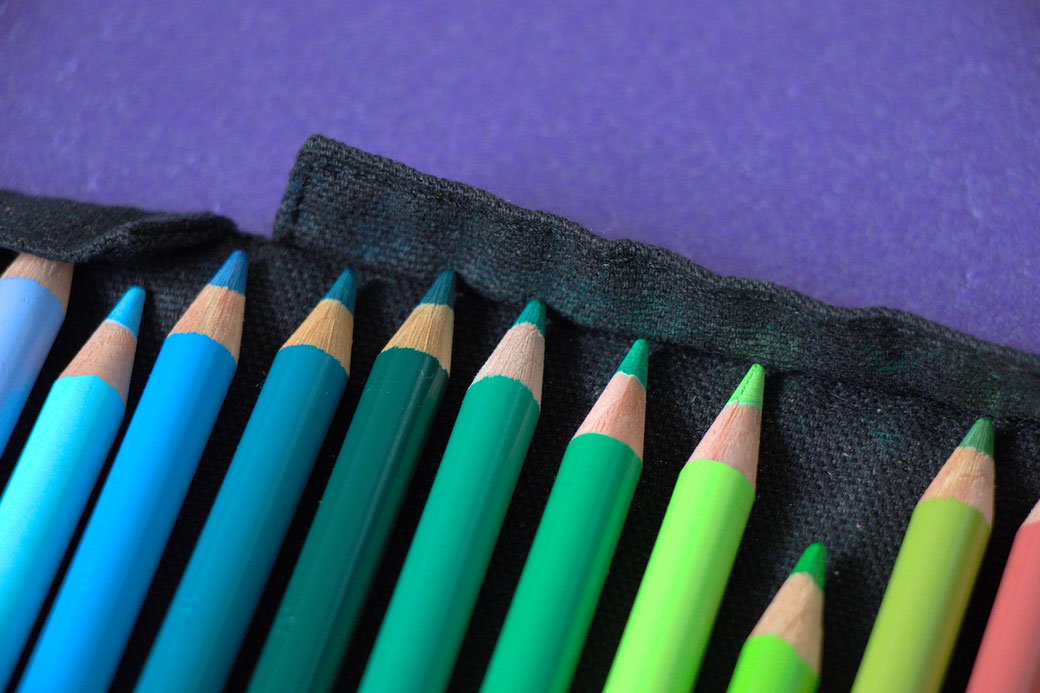 How to sew a pencil wrap - with flaps for the pencil tips - Zebraspider Eco Anti-Fashion