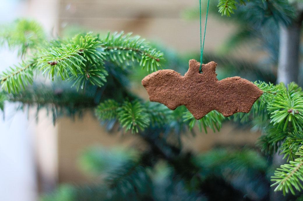 Halloween DIYs Part 1 - cinnamon bats tree decoration - Zebraspider Eco Anti-Fashion