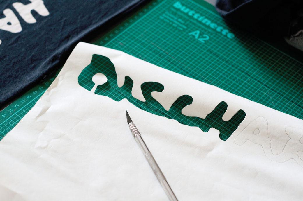 How to stencil on fabric with freezer paper - stencils with bridges - Zebraspider DIY Anti-Fashion Blog