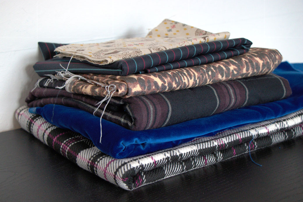 9 pros and cons about deadstock fabrics - mixed trousers and skirt fabrics - Zebraspider Eco Anti-Fashion
