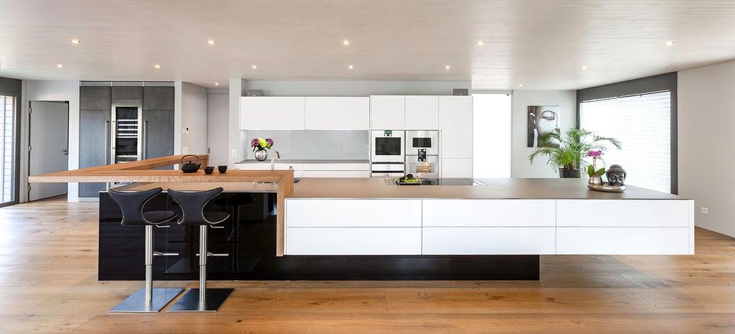 Bild: Käppeli AG, Küchen- und Raumdesign, Merenschwand, Küchenshowroom