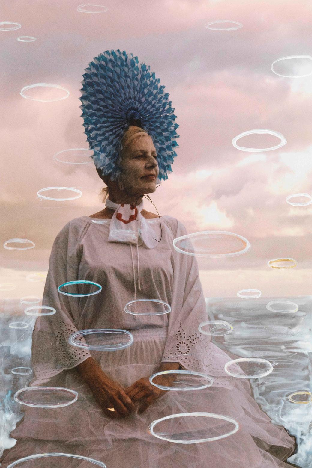 Cornelia Schleime, 'Medusen', 2019. Fotografieselbstinszenierung, übermalt, auf Aludibond, 135 x 90 cm.  (C) & Courtesy: Cornelia Schleime und Galerie Michael Schultz, Berlin.