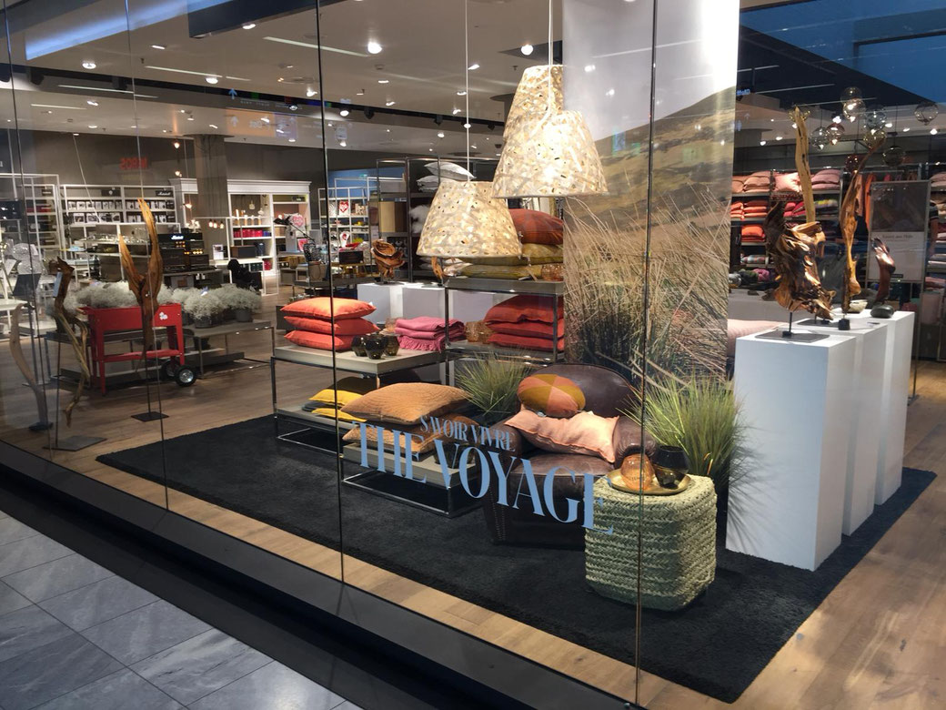"""Einladung Kunst Ausstellung anlässlich des Herbstthemas """"The Voyage"""" von Globus Warenhaus im Einkauszentrum Glatt, Wallisellen"""