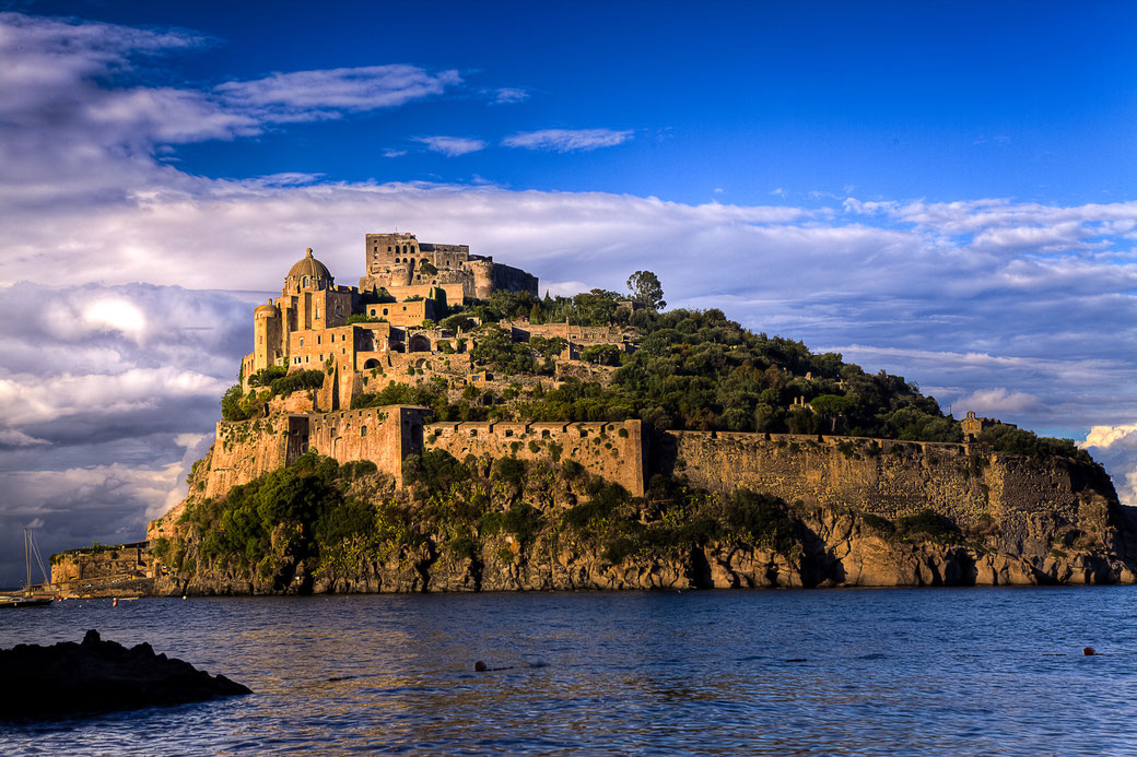 Connessioni Culturali: Capri, Ischia, Procida