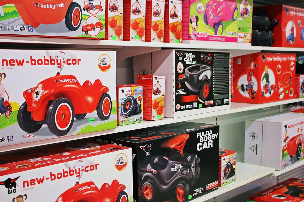 sinsheim spielzeug spielwaren bagger fahrzeug presenta recycling nachhaltig green toys the original kaufen spielen kinder spielzeugmarkt puky bobby car