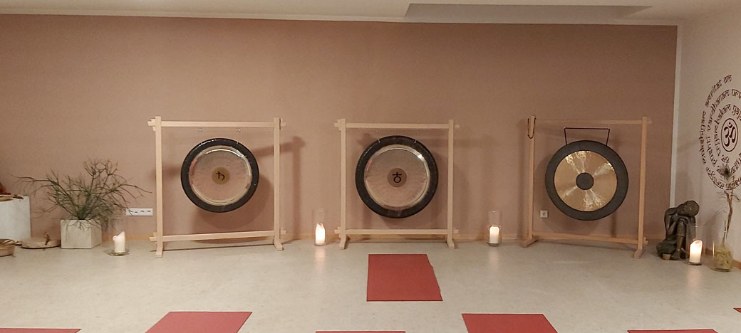 Yoga Kurse Südtirol. Yoga Kurse Vinschgau. Yoga Kurse Schlanders. Yoga für Anfänger. Yoga für Fortgeschrittene. yin yoga. YIN YOGA. Yin Yoga.