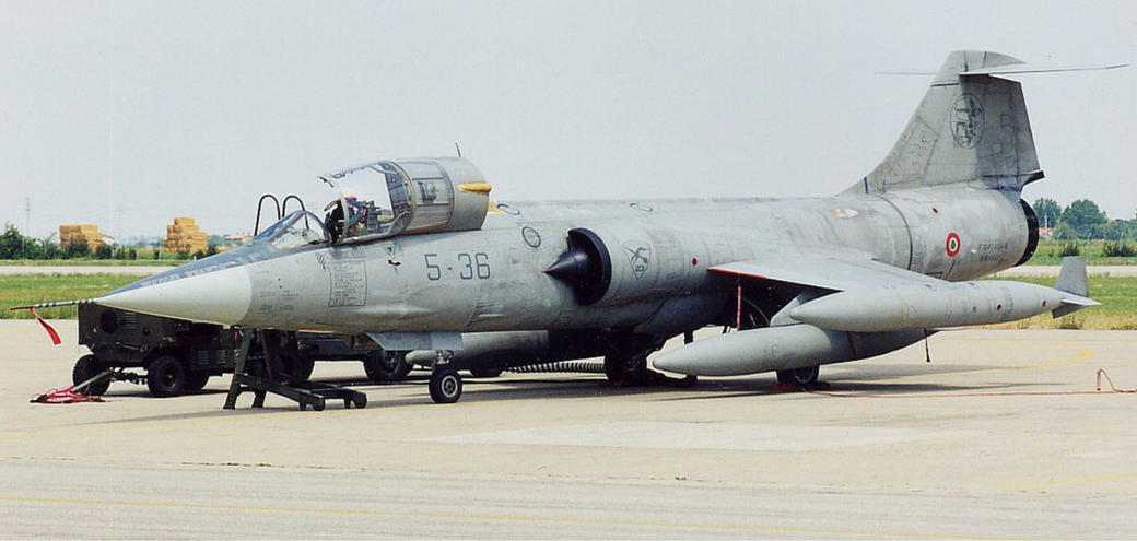 Un F-104 ASA-M del 5° Stormo con la tipica livrea A bassa visibilità. (Foto: Aeronautica Militare)
