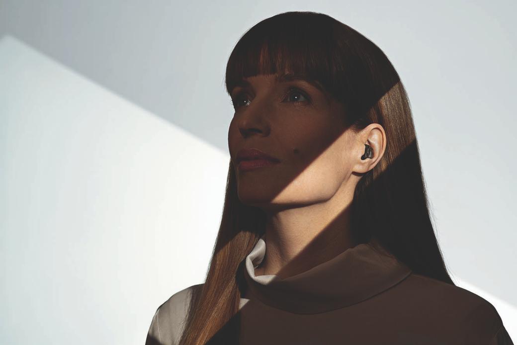 Virto Marvel Black. Phonak presenta su audífono intra con conectividad total y acaba con el estigma de los audífonos. Centro Auditivo Cuenca.