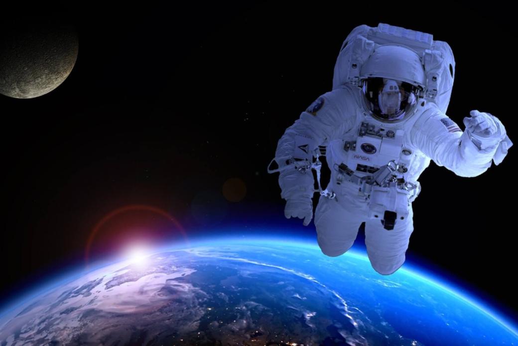 Connessioni Culturali: Uomo nello spazio