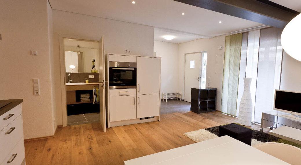 Hochwertige Kücheneinrichtung der Ferienwohnung Schunkengasse