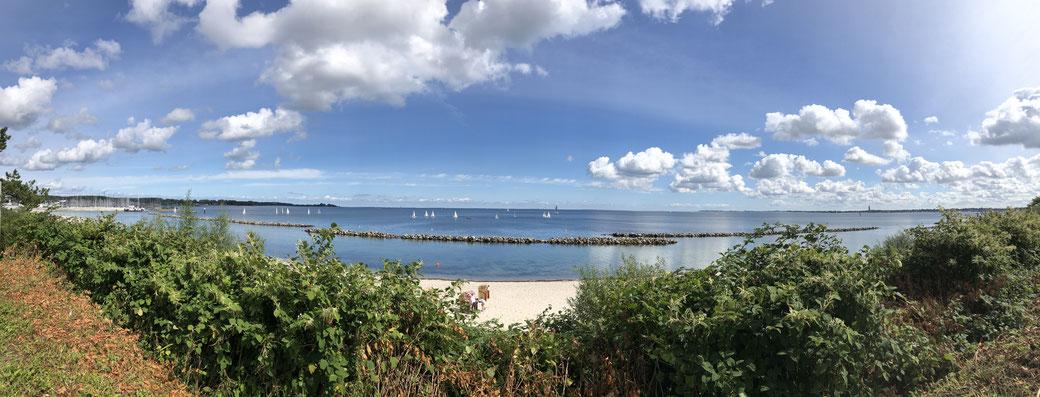 Blick über die Kieler Außenförde und die Strander Bucht