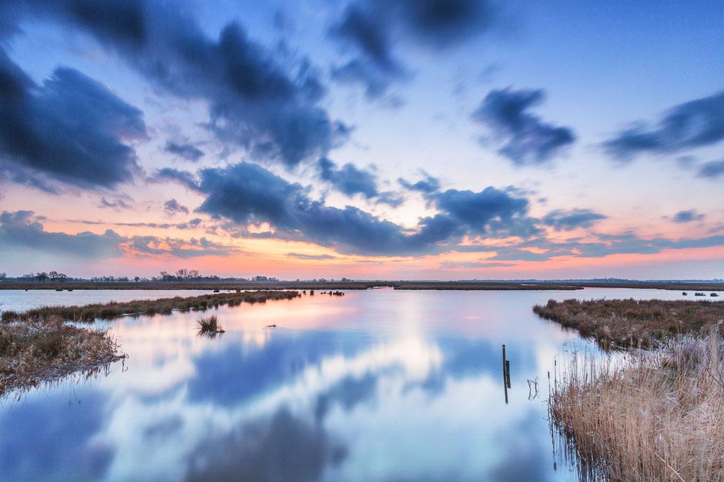Zonsondergang over de Onlanden Groningen © Jurjen Veerman