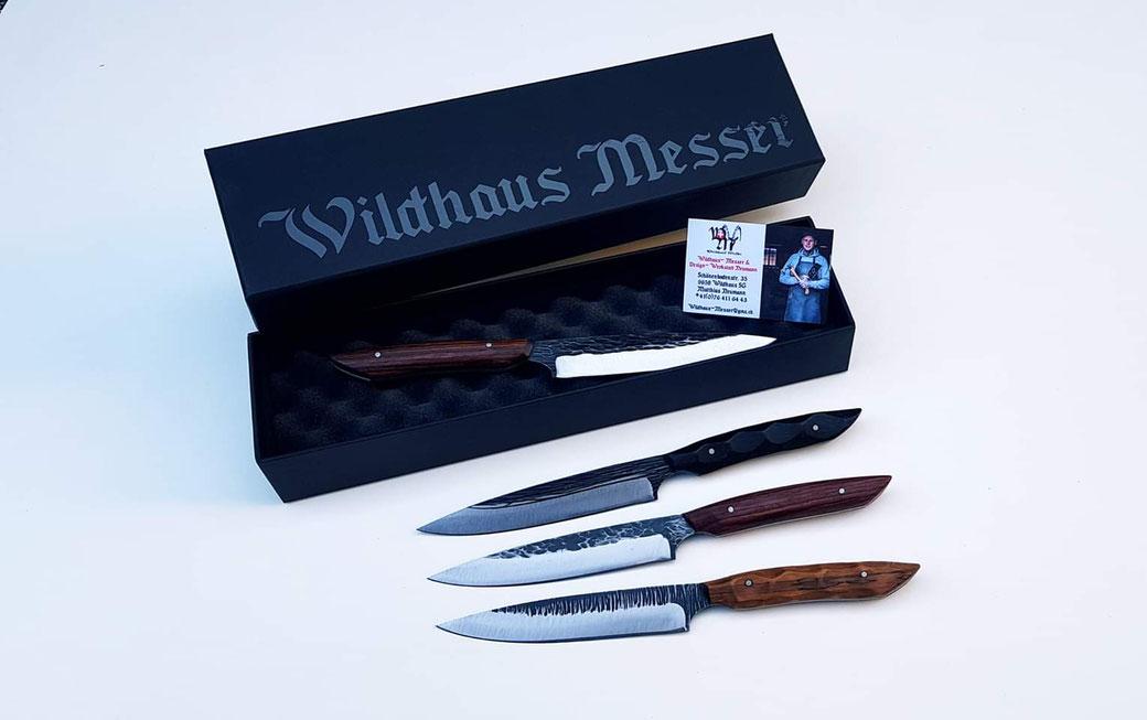 Globus Messer von Wildhaus Messershop, Text mit den Worten:   Globus  Messer  Messerblock  Messerset