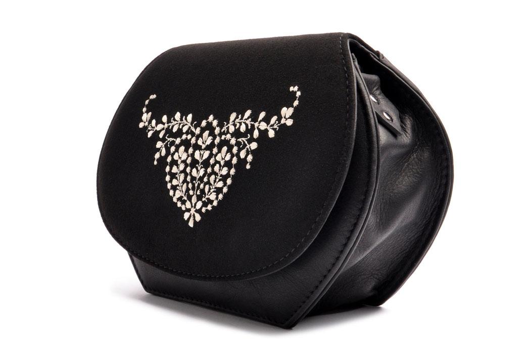 edle Dirndltasche ANNA schwarz mit  Stickerei OSTWALD Traditional Craft