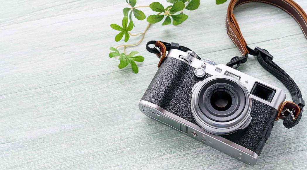 不動産鑑定評価業務:仕事道具のカメラの画像