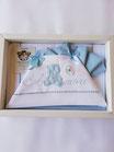 Completo lenzuola lettino ricamato Batuffolini con scritta amore e orsetto. C092