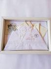 Completo lenzuola lettino ricamato Batuffolini con scritta amore e orsetto. C094