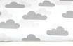 Graue Wolken auf weiß