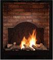 Brennraum mit Ziegelsteinoptik mit Medaillon