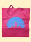 Beutel in rosa mit blauer Stadtsilhouette Leipzig