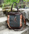 Grand sac à main brodé femme, en faux cuir marron, toile kaki et tissu orange fleuri, broderie fleurs sauvages, décorés de perles en verre.