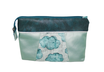 grande pochette a maquillage femme en faux cuir bleu pétrole, vert d'eau, tissu gris avec nuages