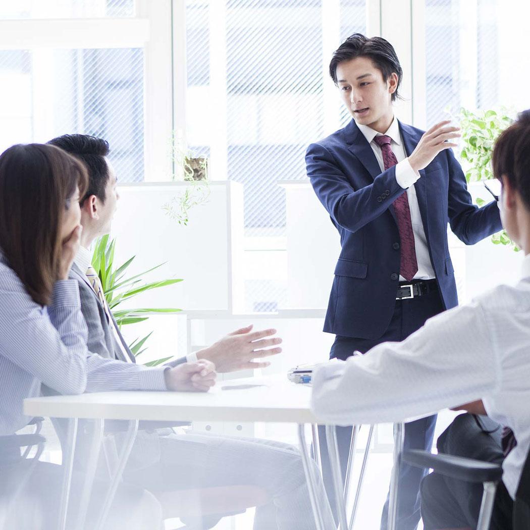 ビジネスシーンでペップトークを役立てているチームリーダー