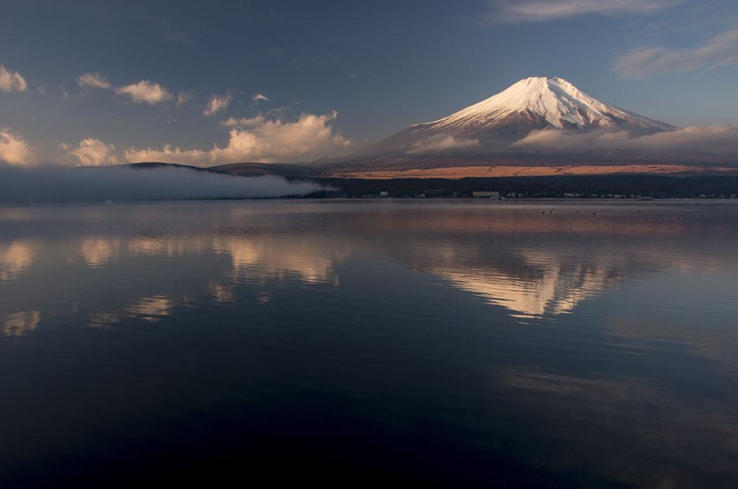 上鶴さんの作品。現在山梨県の古民家で日々富士山を眺めながら暮らす講師は、富士山への造詣が深い。