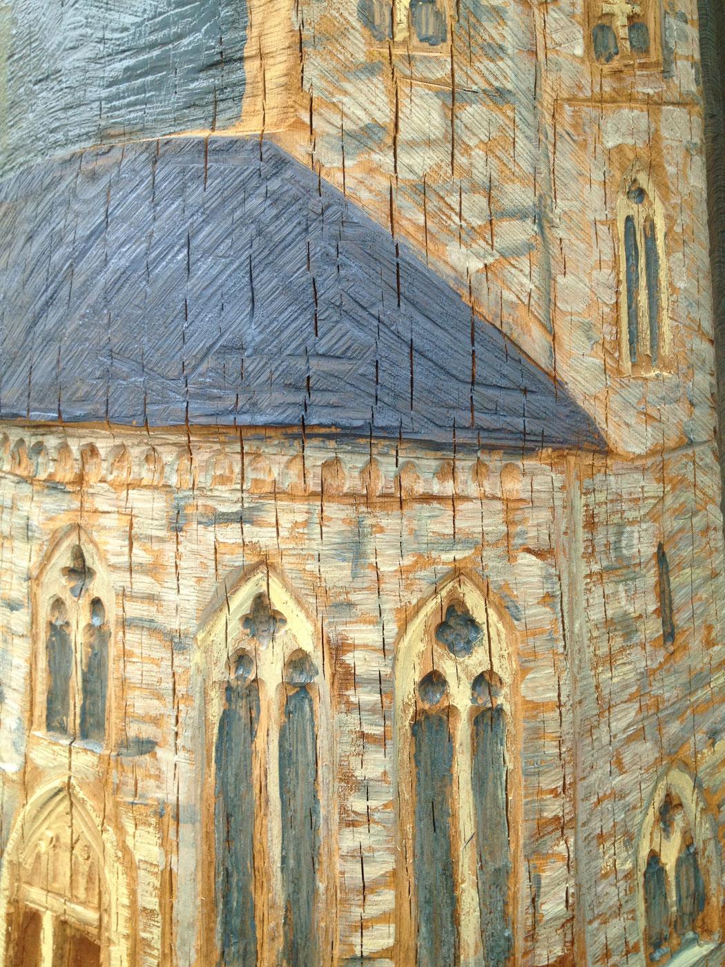Kirche von Uehlfeld, eingeschnitzt auf dem Mantel der Figurenbeute, Pfarrer Veit vom Berg
