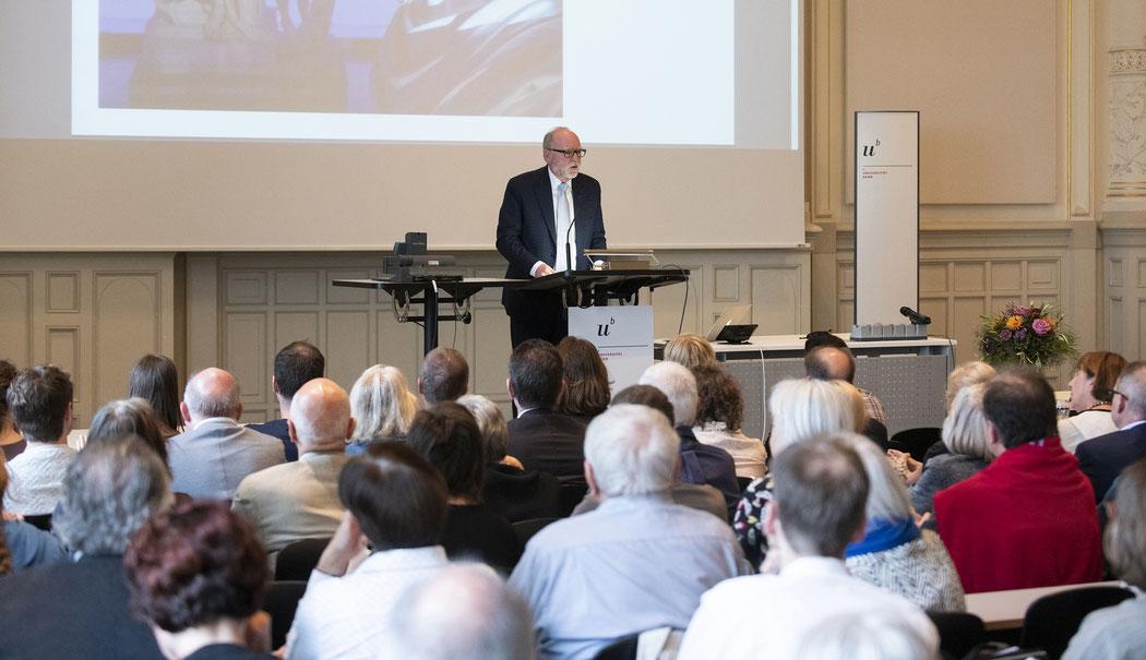 Kanton-Bern-Kultur-Digital-Hans-Ulrich-Glarner-Kulturvermittlung-Verein-Medienkunst-SEHNERV-Antikensammlung-Bern-Facing-History-Kulturgeschichte-Dialog