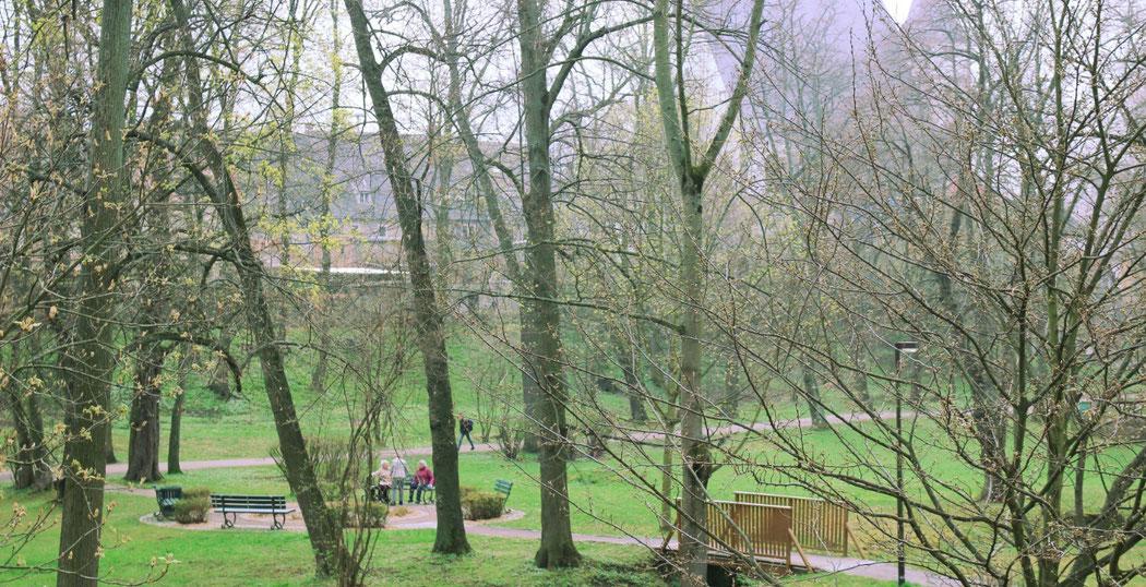 Wegens des kurzen Weges lädt der Stadtpark Gaithain auch die Senioren des Pflegeheims zum Entspannen und Verweilen ein