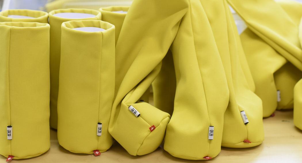 """""""sacco"""" aufrechter Brillenhalter, gelb"""